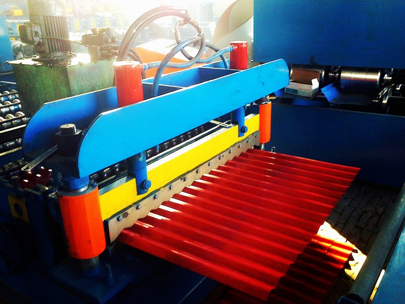 Automatic metal corrugated roofing sheet making machine